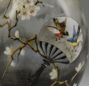 オールド バカラ 団扇花鳥図花瓶